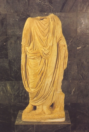 Statue of a togaed figure