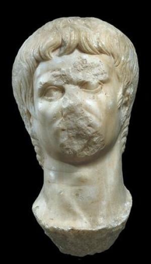 Cabeça - Retrato de Augusto