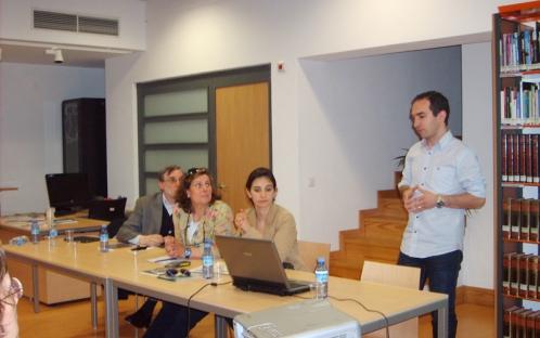 """Conferência Aberta """"Sistemas de informação e redes de partilha do conhecimento:"""