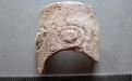 Bordo de vidro (século XI) antes da intervenção de conservação